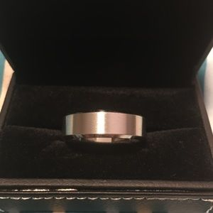 Men wedding ring in size 13 new with tag